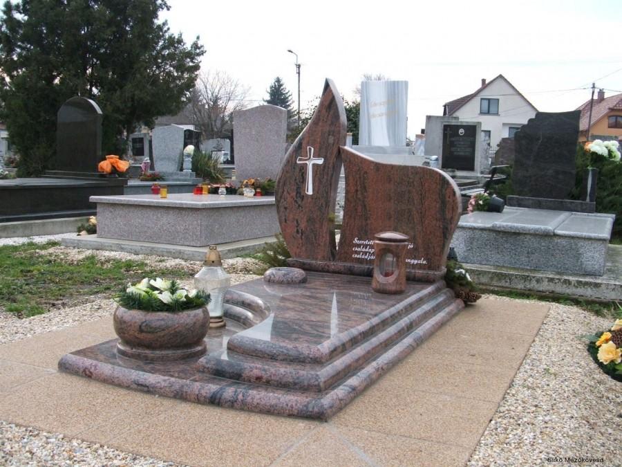 A napokban a temetőben járva erre a sírfeliratra figyeltem fel. Örökre megjegyeztem!
