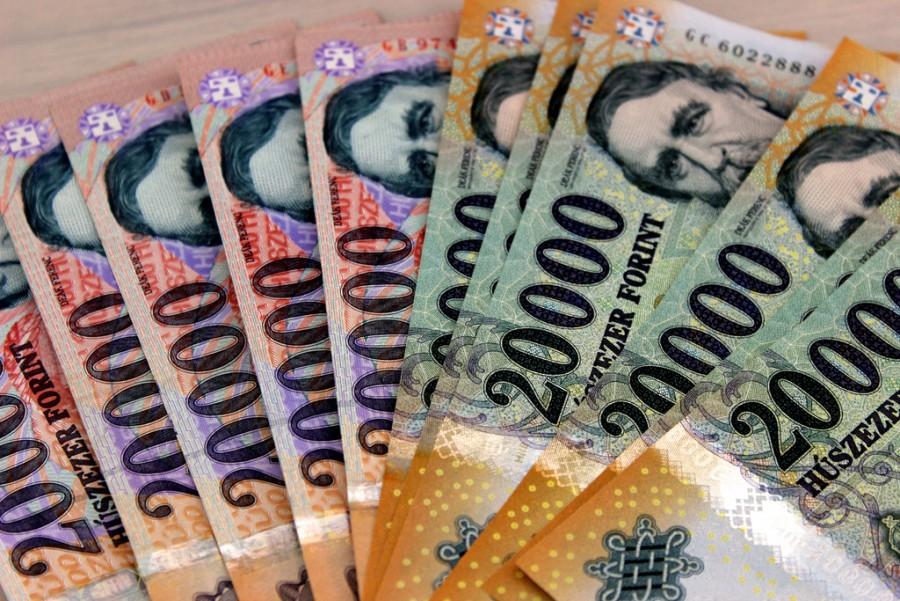 56 ezer forinttal több pénzhez jutnak a nyugdíjasok januártól! Itt láthatja a pontos számokat – ennyivel emelkednek a nyugdíjak 2018. Január 1-től!