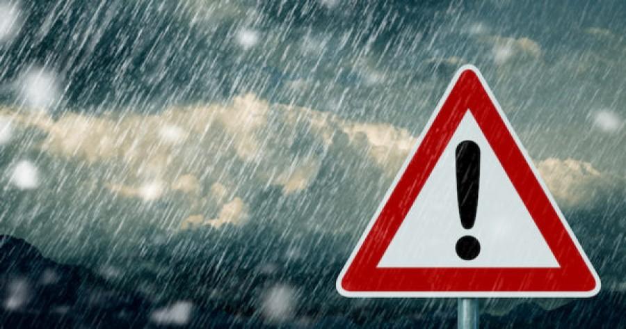 Figyelem: 10 megyére adták ki a riasztást! Veszélyes idő jön! Köd, ónos eső és más nehezítő körülmény is várható az utakon! Nagyon vigyázzon, aki útnak indul!