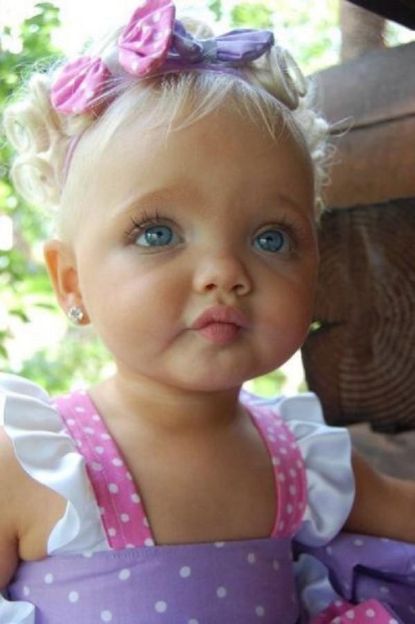 Felnőtt lett az a kislány, akiből édesanyja 2 évesen modellt faragott! Így néz ki most…