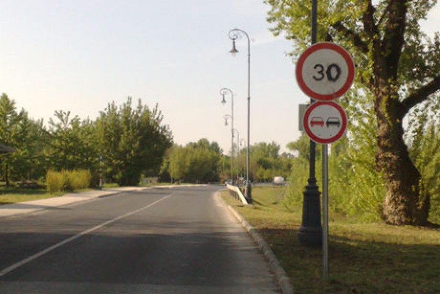 Jobb ha időben tájékozódsz róla: Változnak a sebességhatárok a magyar utakon
