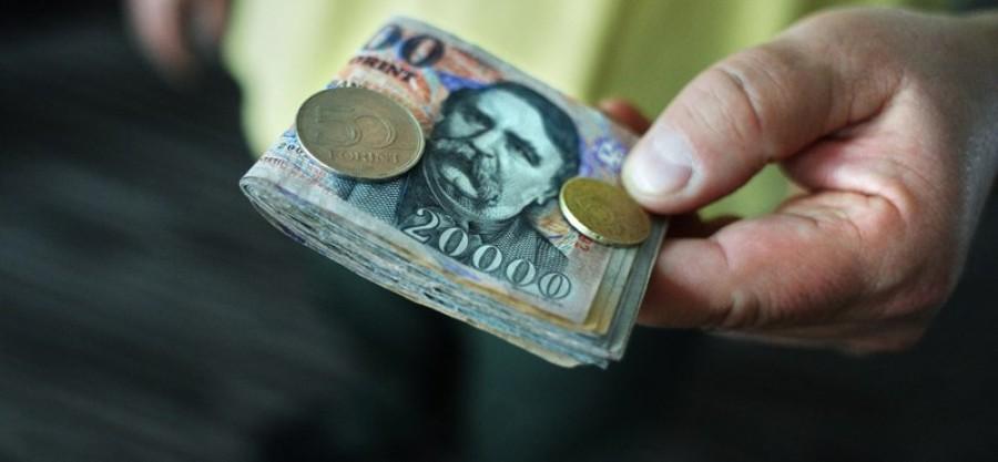Fontos: minden dolgozót érint! Óriási robbanás a magyar bérekben!