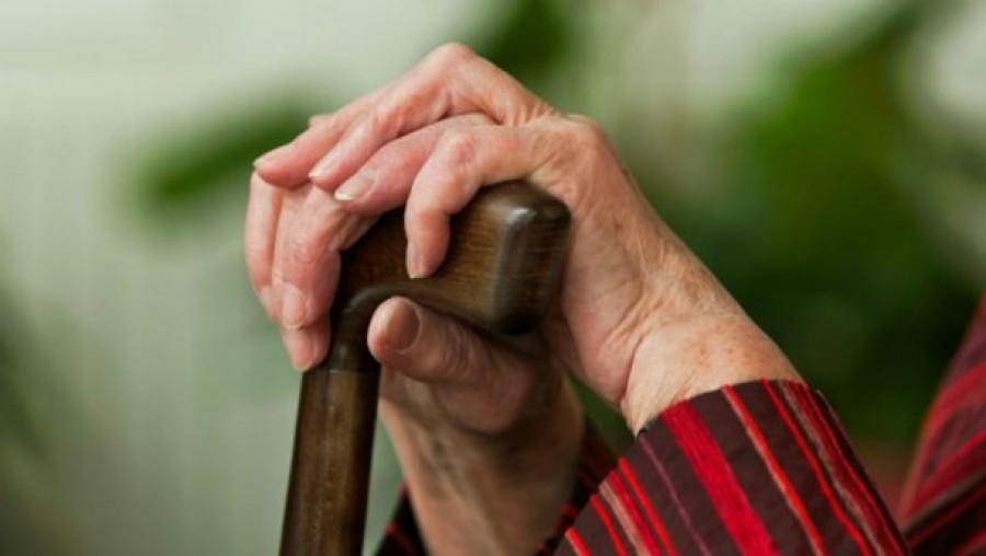 Idén akár 8 évvel hamarabb nyugdíjba mehetnek a nők, mint ahogy a 40 év jogviszonyuk meg van! 2018. Január 1-től 1,2,3,4 gyermek után! Íme a pontos számok