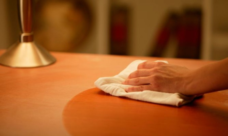 Ha ezt alkalmazod nem rakódik le a por a lakásodban. A szállodákban is ezzel takarítanak!