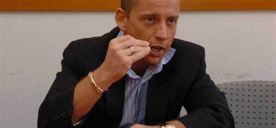 Rossz szót mondott Mészáros Lőrinc sportmárkájára, lapátra tette a TV2 csoport