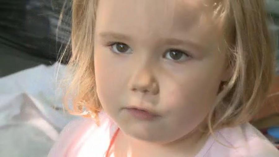 Példátlan ahogyan összefogott a falu azért hogy ez az 5 éves kislány újra járhasson! Emberségből jeles!