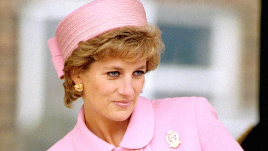 Egy eddig nem látott, megdöbbentő fotó került elő Diana hercegnőről