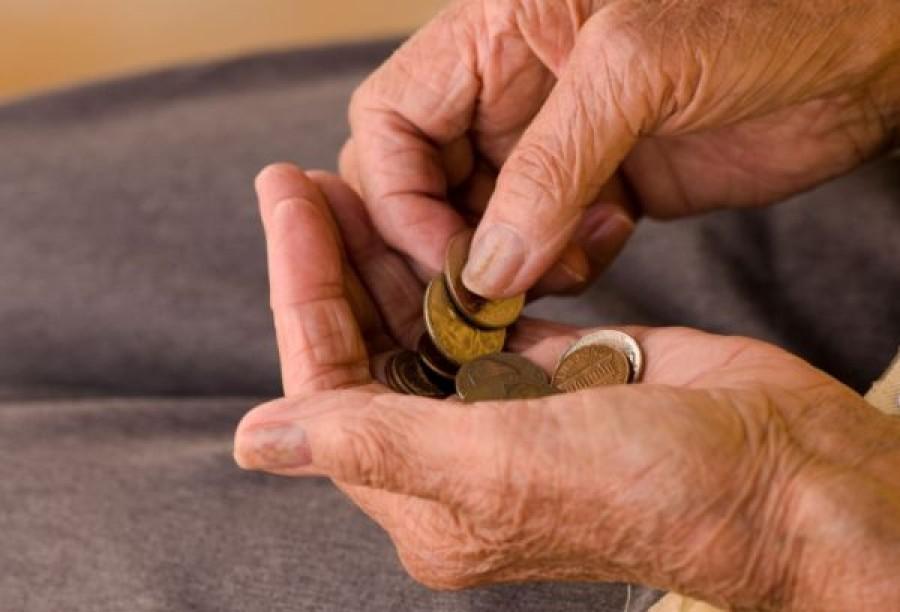 Ajándékot kaphatnak a nyugdíjasok a 'forró tavasz' előtt